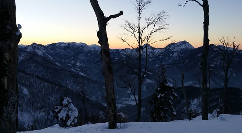 Blick vom Hochberg über das Almtal zum Traunstein