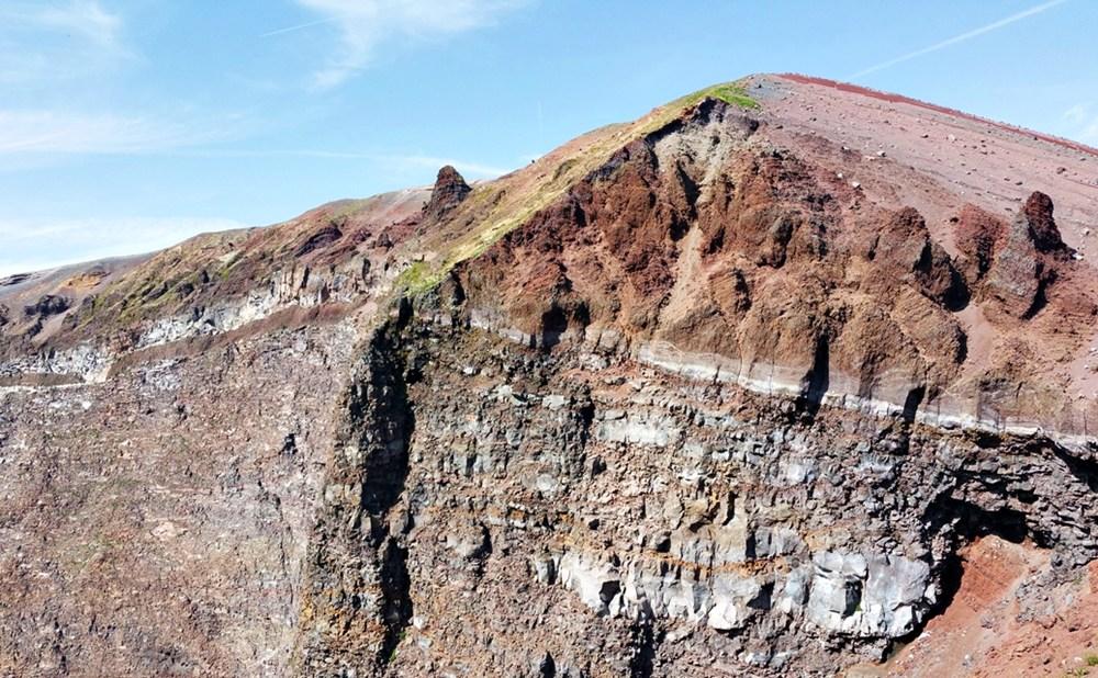 Farben und Struktur am Vesuv