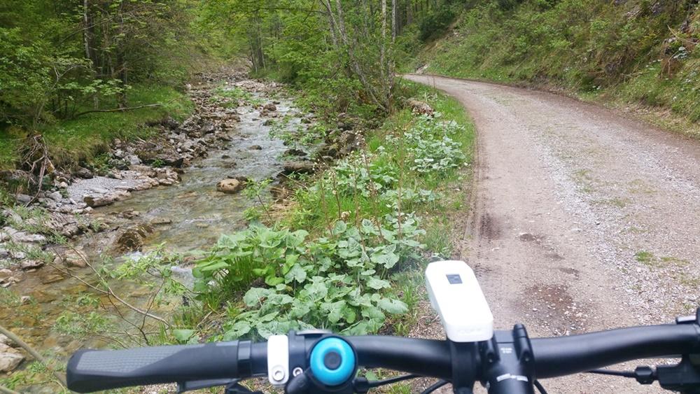 Von der Laubau Richtung Süden - gemütlicher Start zur Radltour. Wetter egal.