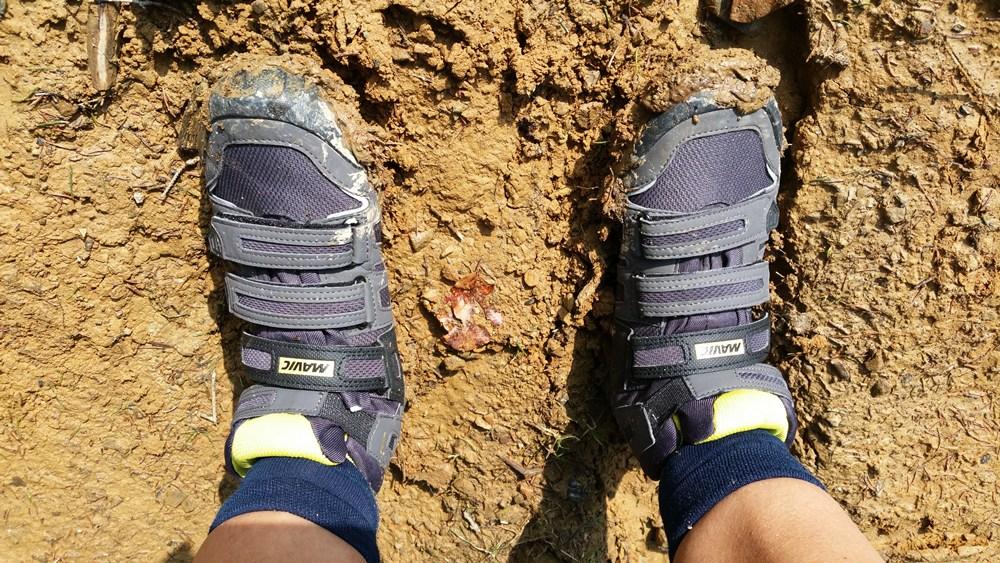 Auf solchen Wanderwegen sind richtige Schuhe wichtig... Richtung Gipfel zum Zinnkopf.