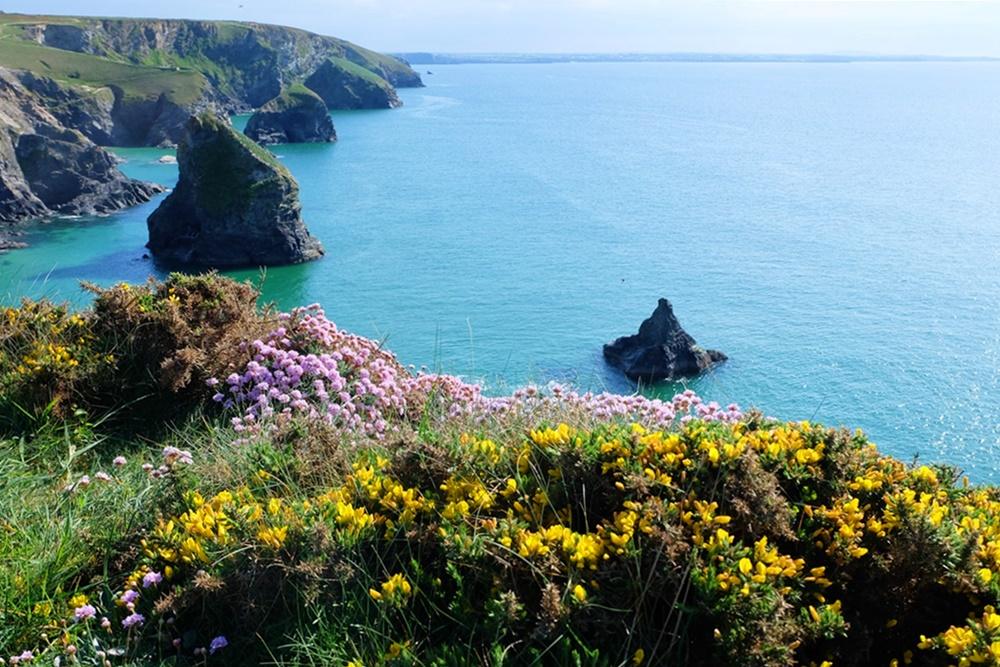 Betdruthan Steps an der Küste im nördlichen Teil von Cornwall | England