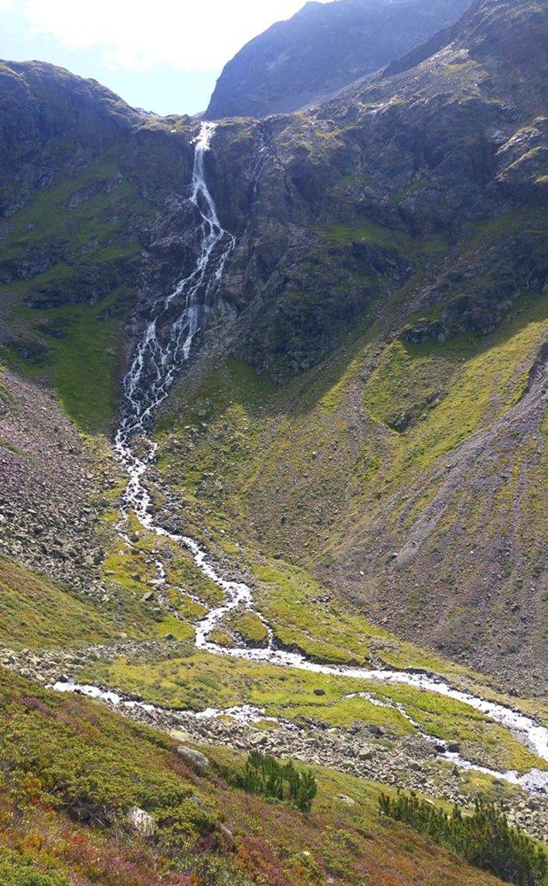 Wasserfall gegenüber der Winnebachseehütte/ Tirol
