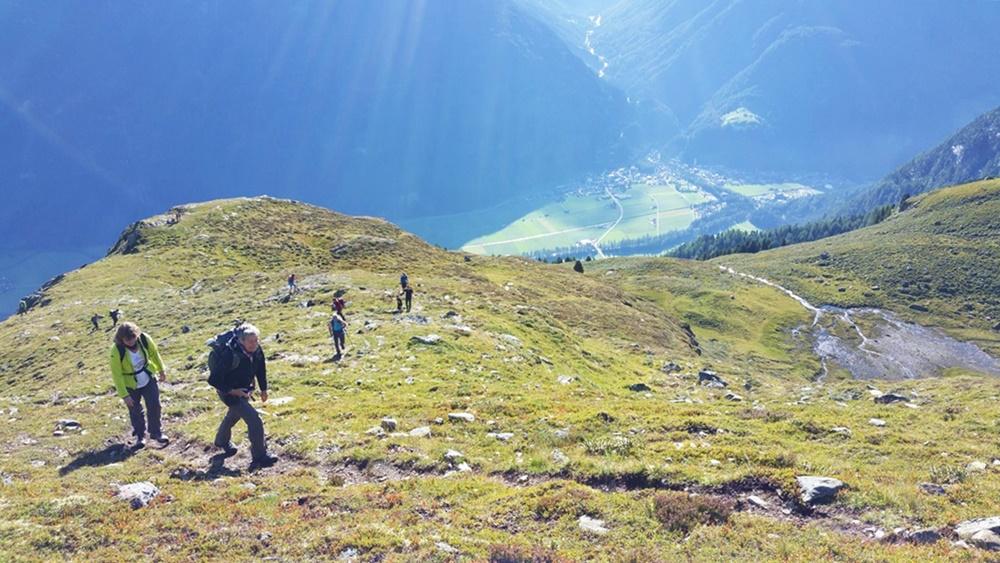 Blick ins Tal, nach Längenfeld im Ötztal/ Tirol