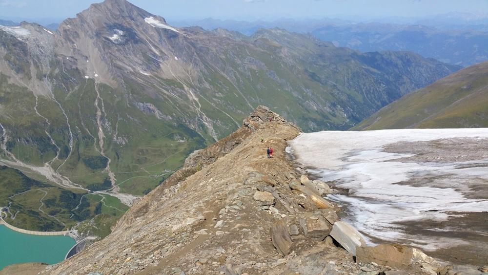 Blick zum Kitzsteinhorn über den Kapruner Stauseen samt Kaindlgrat