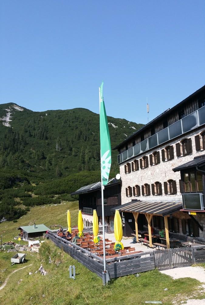 Neue Traunsteiner Hütte auf der Reiteralm