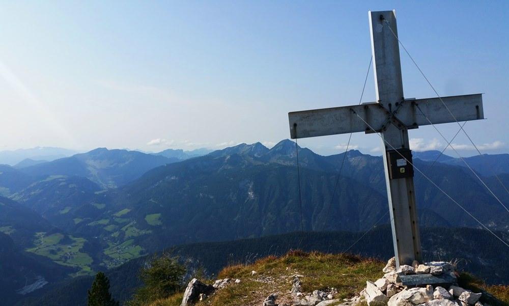 Gipfelkreuz und Gipfelglück am Großen Bruder, Reiteralm