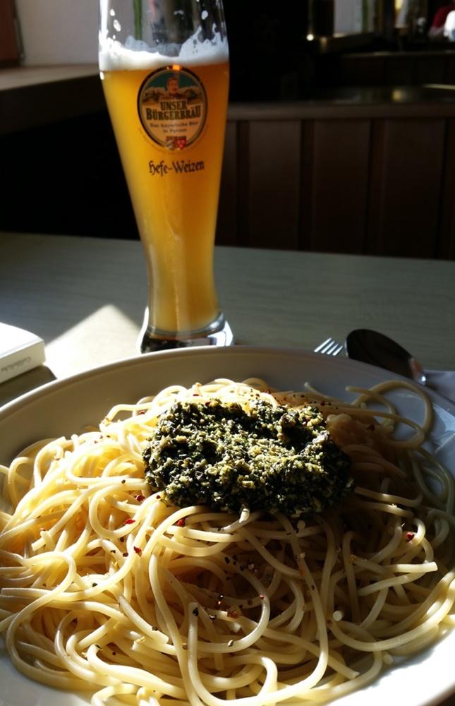 Abendessen auf der Neuen Traunsteiner Hütte/ Reiteralm