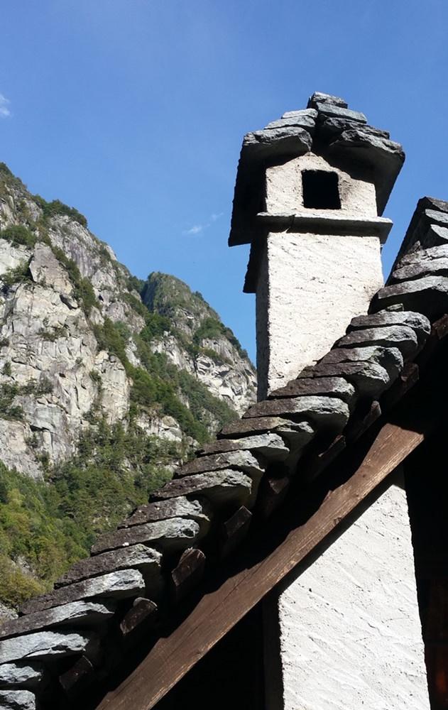 Tessiner Steinhäuser in Foroglio | Schweiz