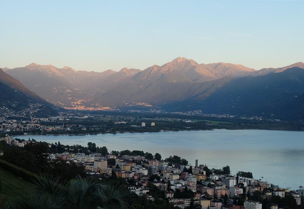 Abendstimmung über dem Lago Maggiore | Tessin, Schweiz