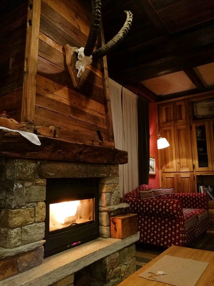 Gemütliches Lobby im Hotel Zerbion in Torgnon/ Italien