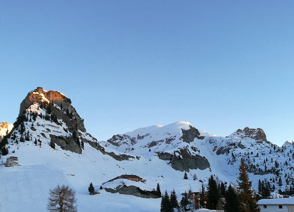 Die ersten Sonnenstrahlen im Rofangebirge, am Gschöllkopf (2.039m)