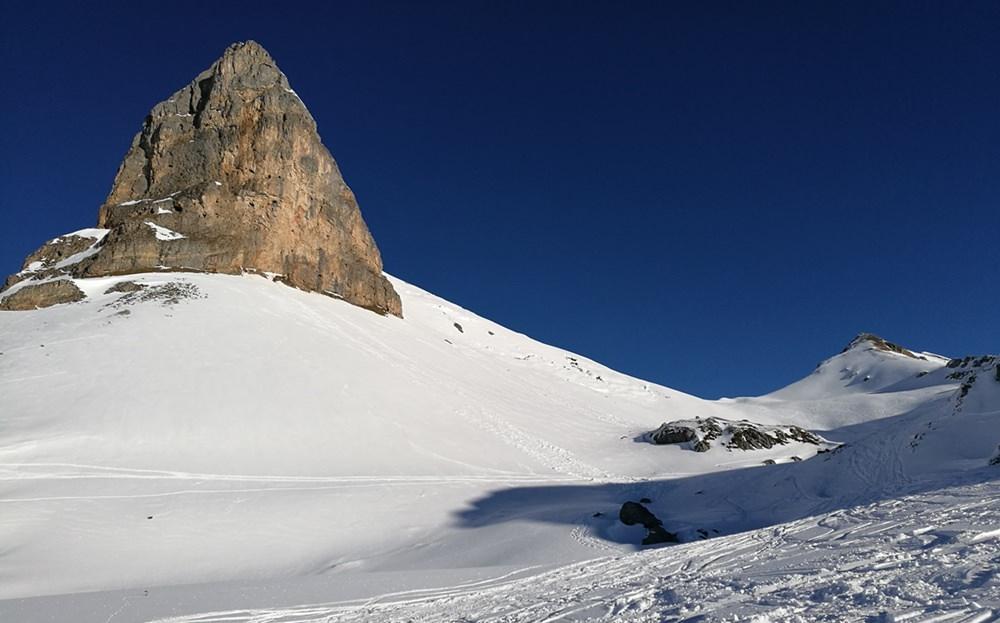 Blick zum Rosskopf, auf den Weg mit den Schneeschuhen zur Rofanspitze