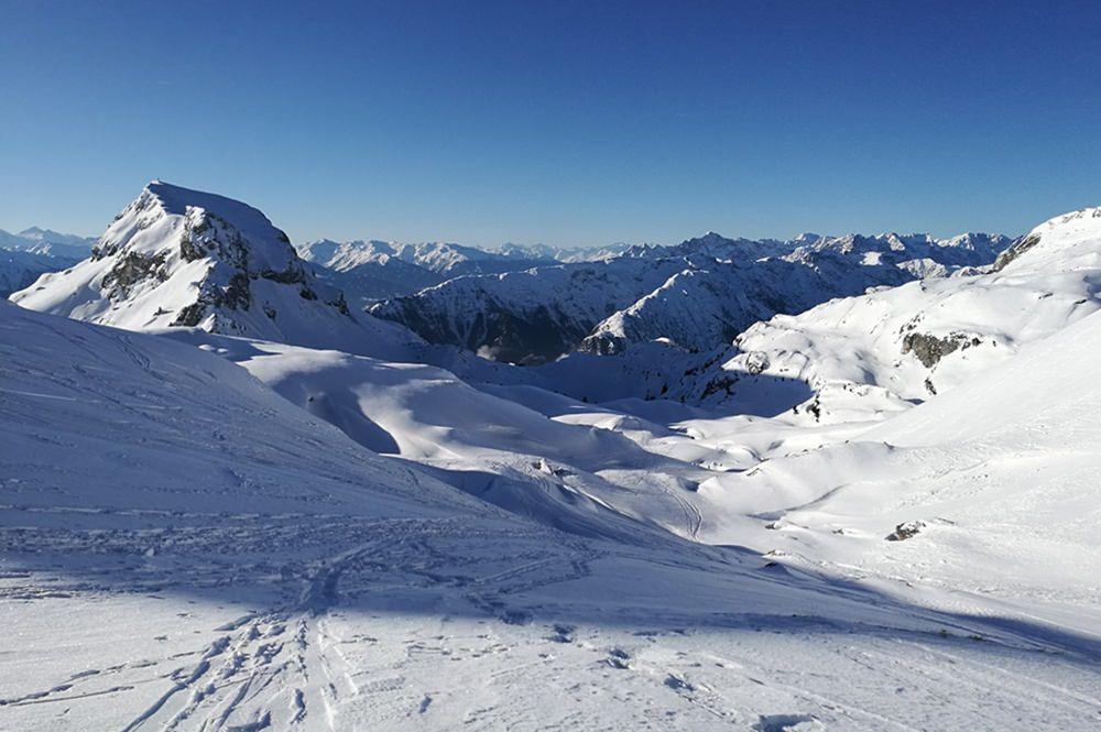 Perfekter Wintertag, perfekte Bedingungen für die Rofanspitze mit Schneeschuhen
