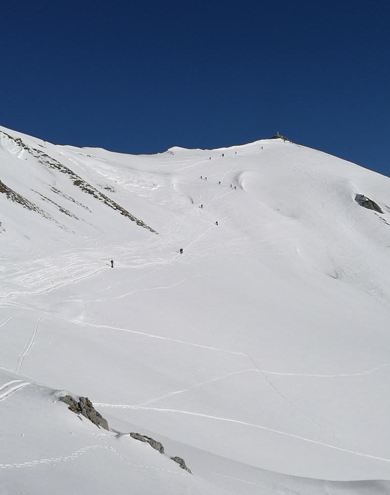Blick zurück von der Grubascharte zum Gipfel der Rofanspitze