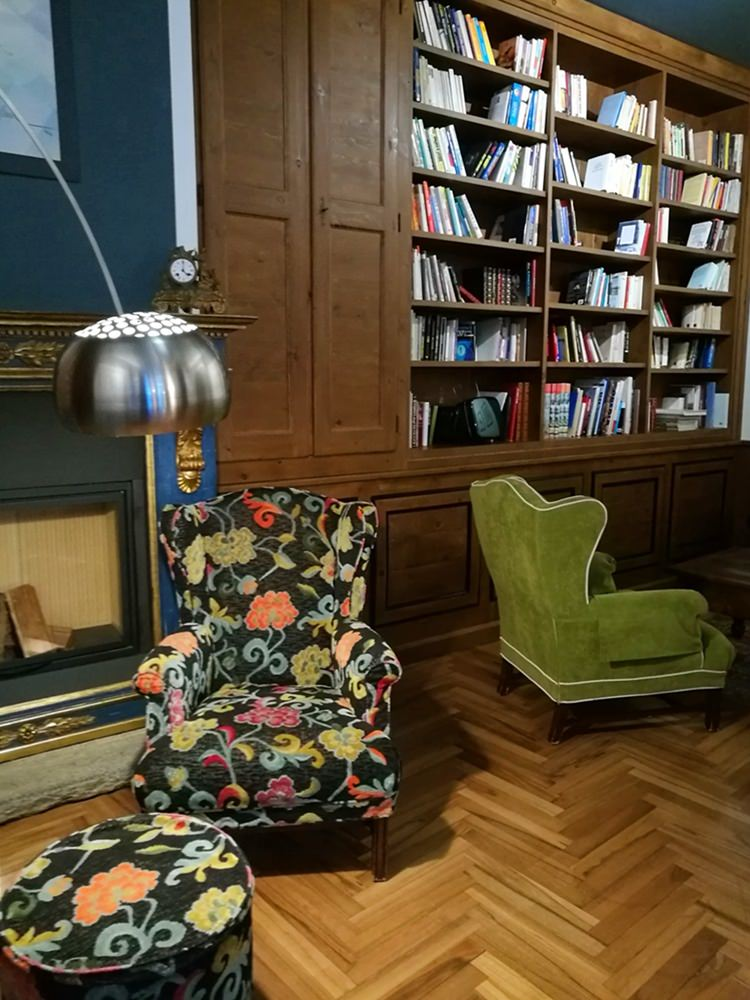 Lobby & Bibliothek im Hotel Duca di Aosta in Aosta | Aostatal, Italien