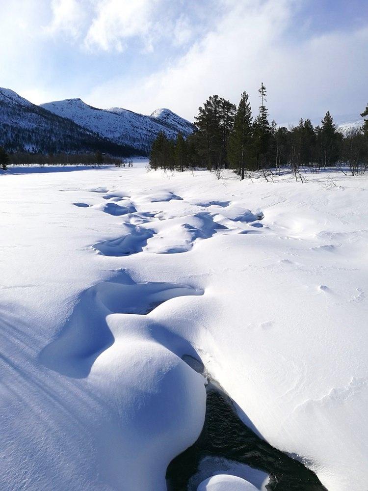 Zugefrorenes zugeschneites Norwegen. Wie es hier wohl im Sommer aussieht? | Winterreise nach Hovden
