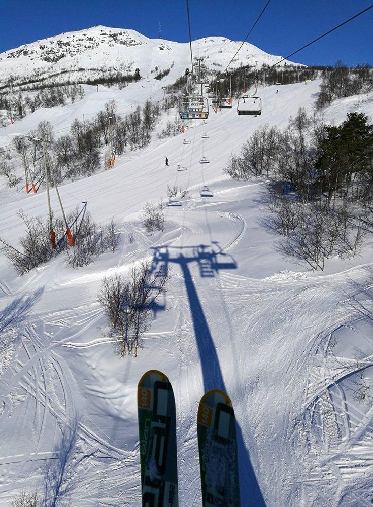 Kurz vorm Erfrieren noch ein Foto: Liftfahren in Hovden | Norwegen