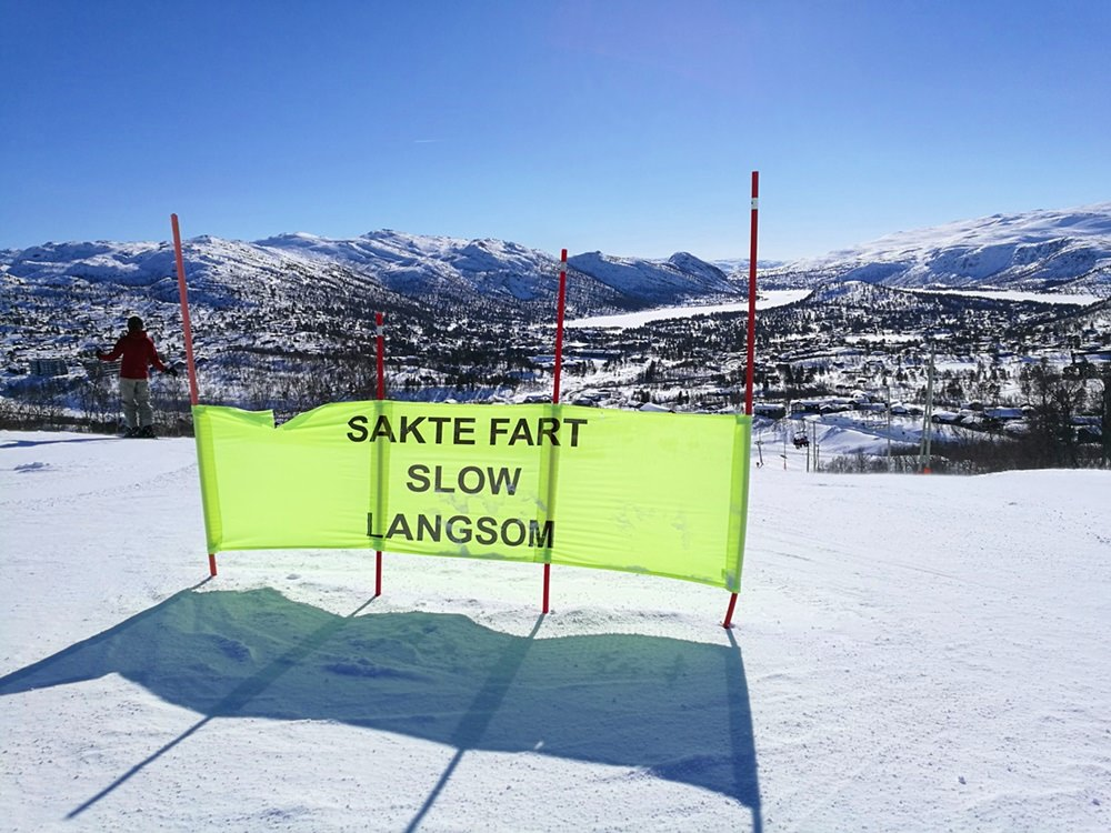Pistenglück im norwegischen Skigebiet Hovden. Langsam!