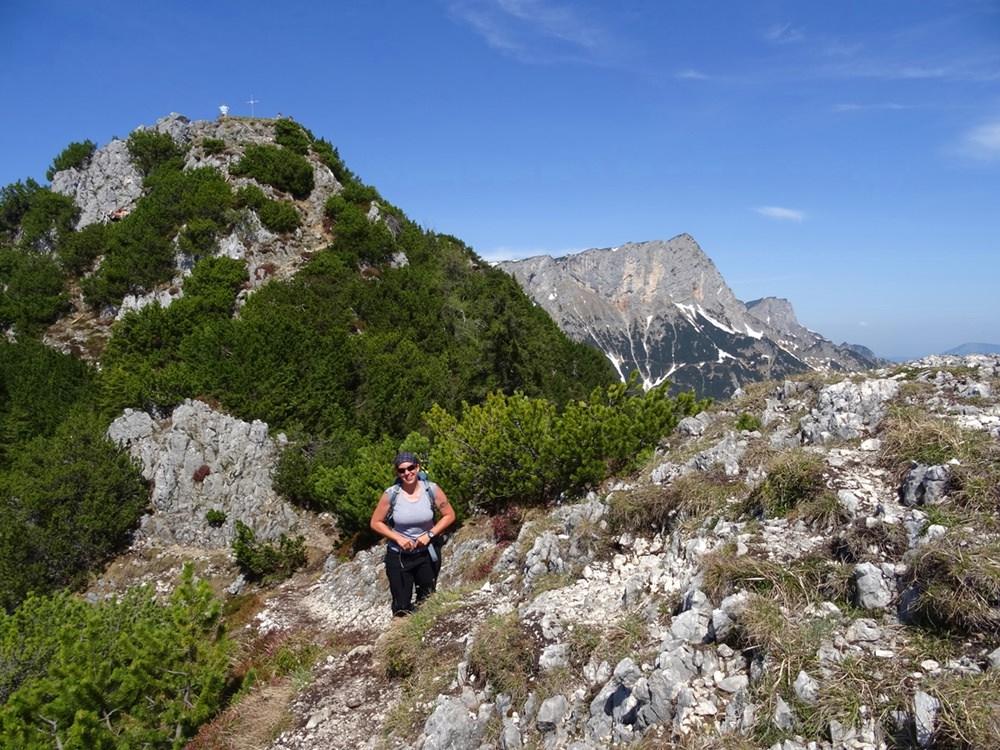 Blick vom Vorgipfel zum Gipfel des Rauhen Kopf/ Berchtesgadener Alpen