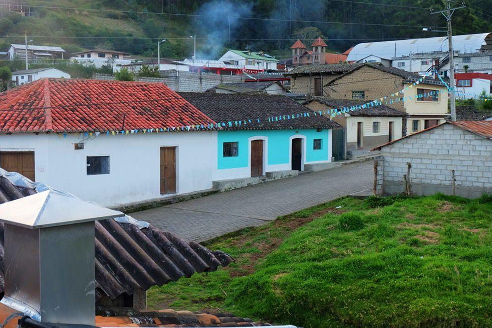 """Downtown"" Isinlivi/ Provinz Cotopaxi in Ecuador"