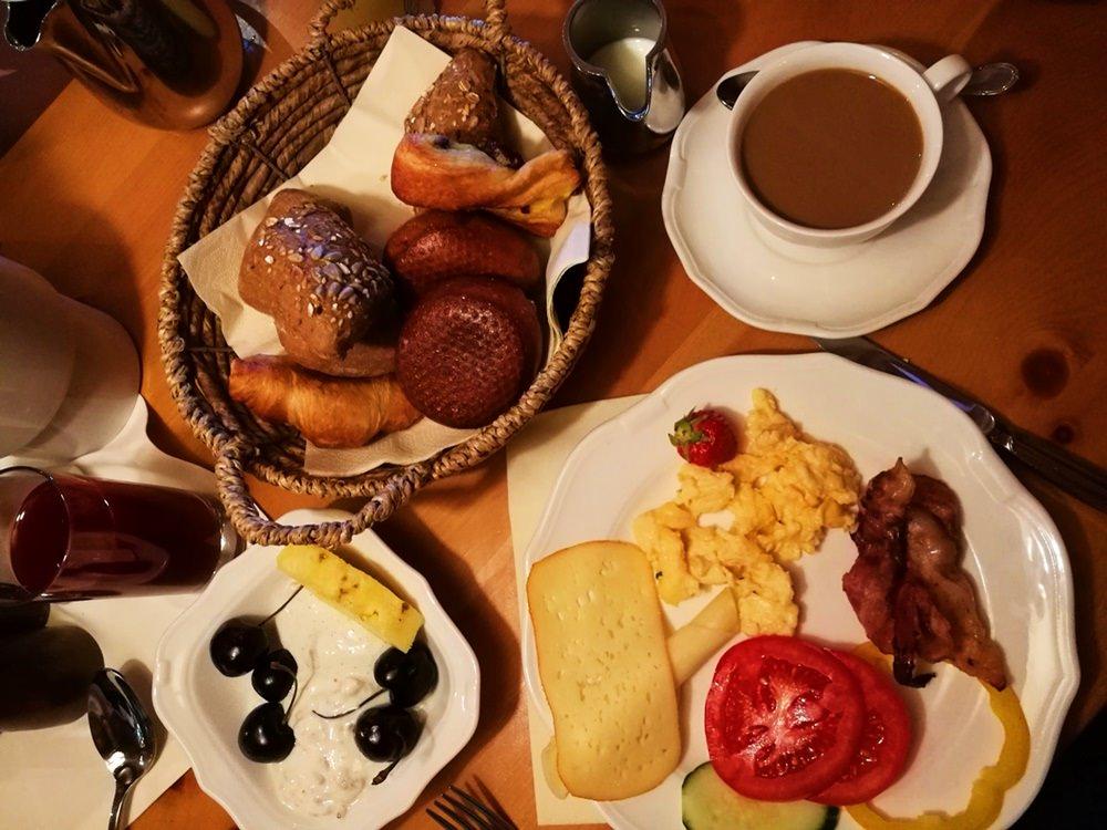 Frühstück im Zugspitz Resort in Ehrwald/ Tirol