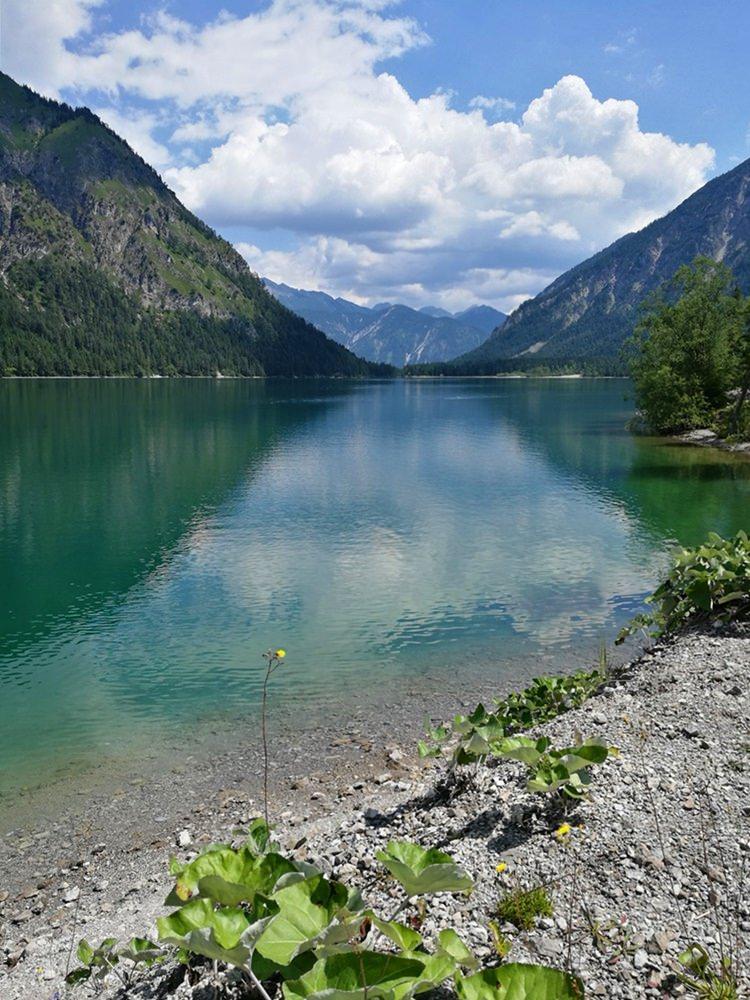 """Was für ein Blick - der Heiterwanger See in Tirol, ein Highlight von der """"Rund um den Daniel"""" Fahrrad-Tour"""