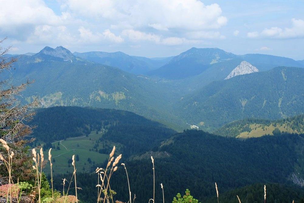 Ausblick vom Schildenstein Gipfel nach Norden| Kreuth, Bayern