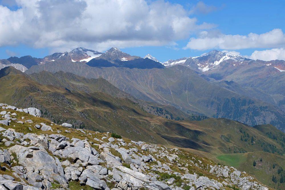 Der eigentliche Plan A, nördlich von uns: Becher, Wilder Freiger und ihre vergletscherten Nachbarn in den Stubaier Alpen