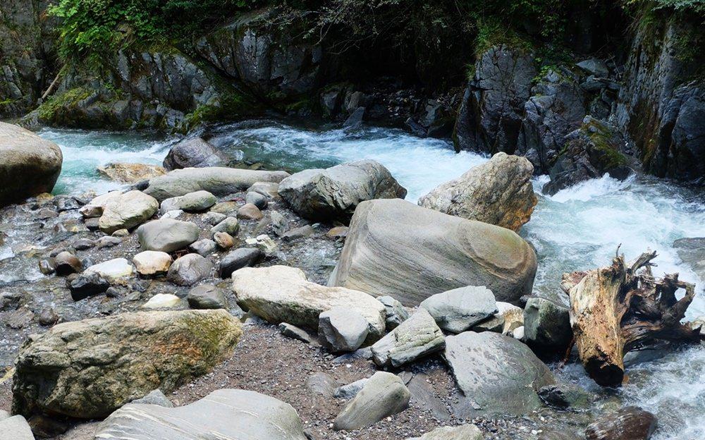 Das untere, sanfte Ende der Gilfenklamm, der Ratschingser Bach 175 Hm unter dem oberen Ende | Ridnautal, Südtirol