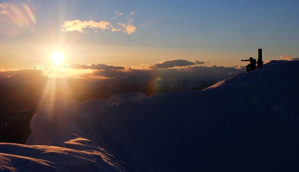 Sonnenuntergang am Dobratsch Gipfelkreuz | Kärnten, Österreich