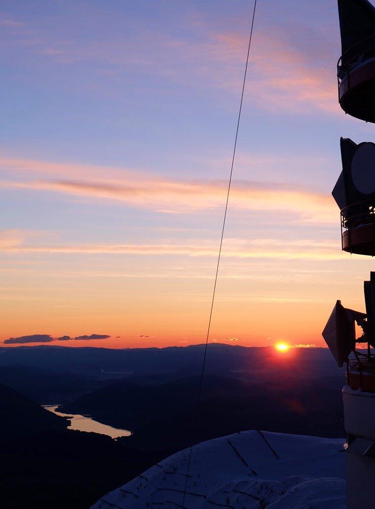 Sonnenaufgang über dem Ossiacher See vom Dobratsch aus | Kärnten, Österreich