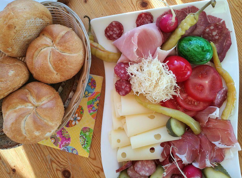Oster-Frühstück am Dobratsch Gipfelhaus | Kärnten, Österreich