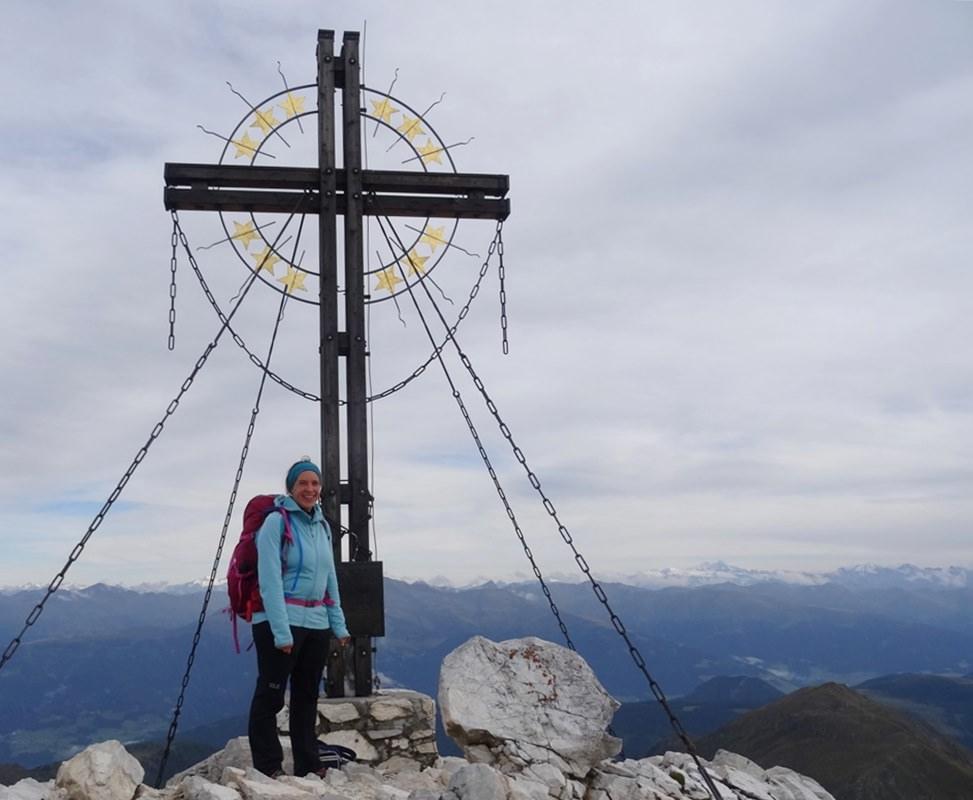 Gipfelglück am Europa Kreuz auf der Großen Kinigat | Karnischer Höhenweg