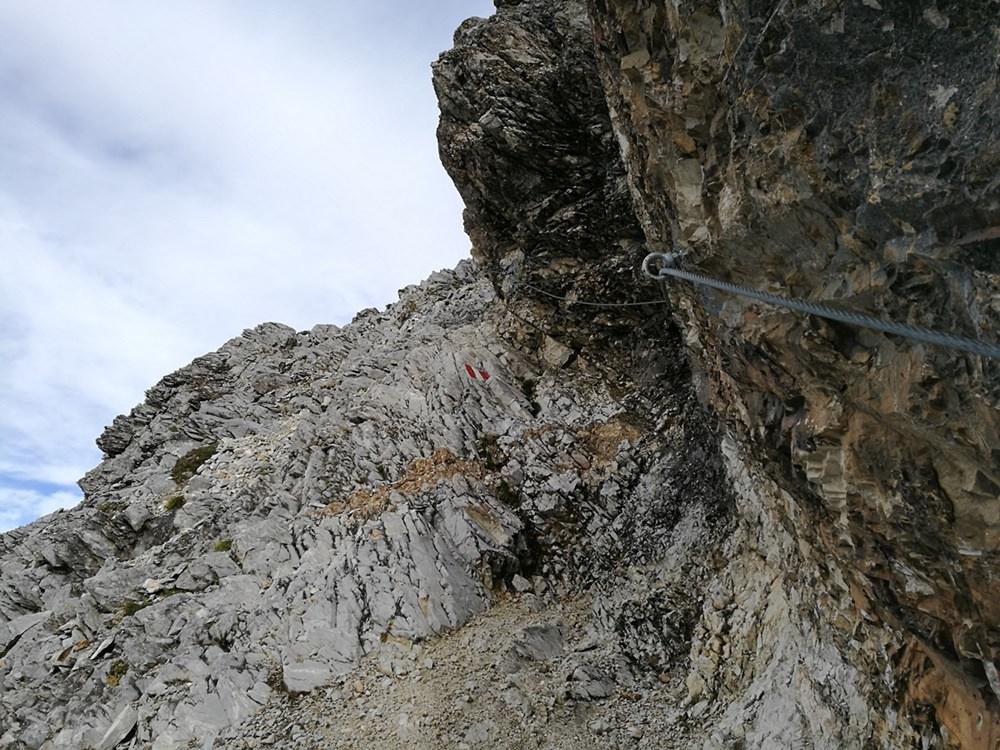...und ein Blick voraus. | Große Kinigat, Karnischer Höhenweg