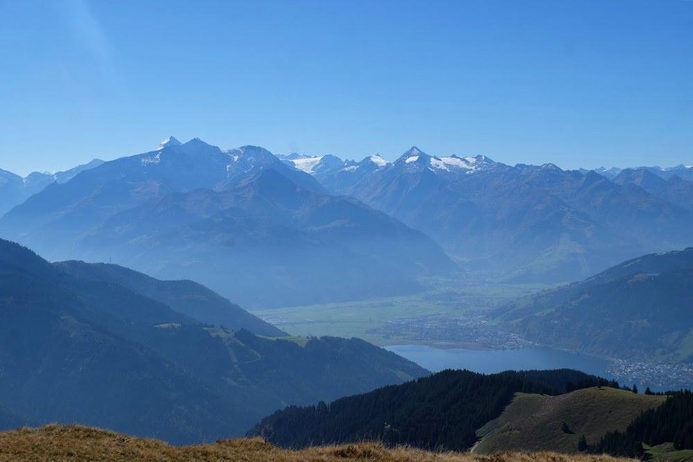 Blick von der Schwalbenwand zu den Hohen Tauern | Österreich