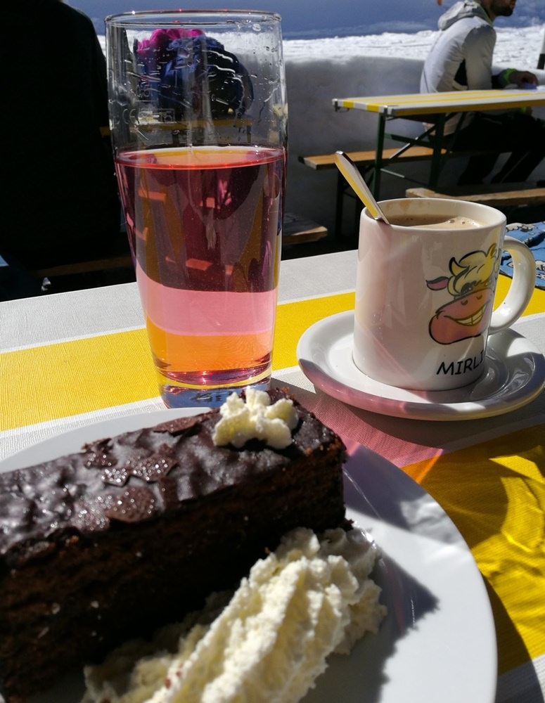 Kuchenzeit an der Karhütte am Rossbrand | Österreich