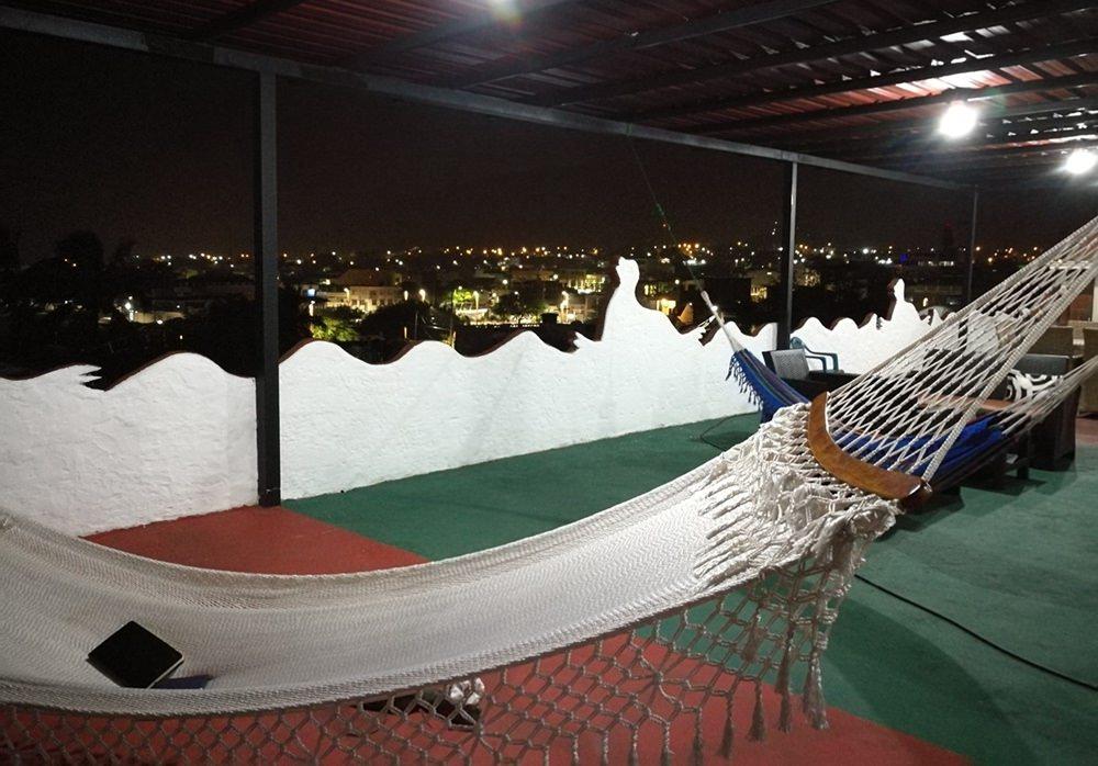 Über den Dächern von Puerto Baquerizo Moreno: Hängematten-Leben auf den Galapagos Inseln