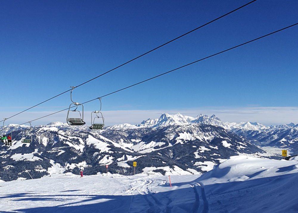 Am Jodlalm Lift, der alte gemütliche Sessellift im Skigebiet von St. Johann in Tirol