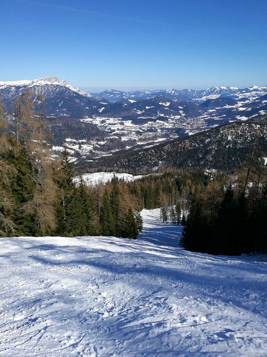 Blick zurück: im steilen Aufstieg zur Gugl die Aussicht genießen | Nationalpark Berchtesgaden