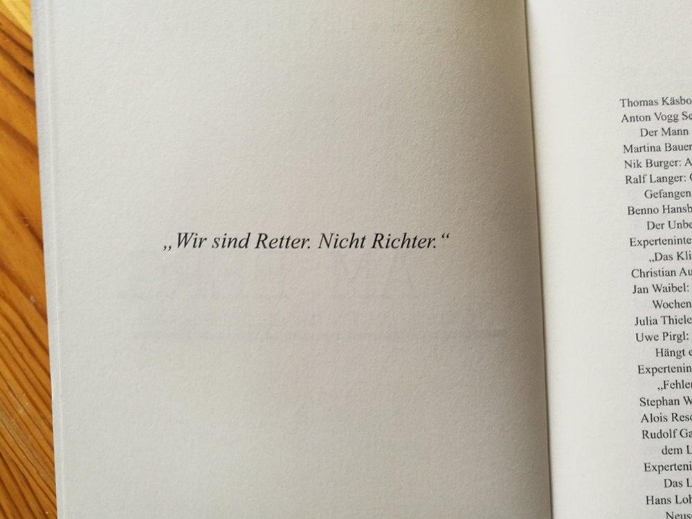 """""""Wir sind Retter. Nicht Richter."""" Klare, wichtige Worte, dem """"Am Berg.""""-Buch vorangestellt."""
