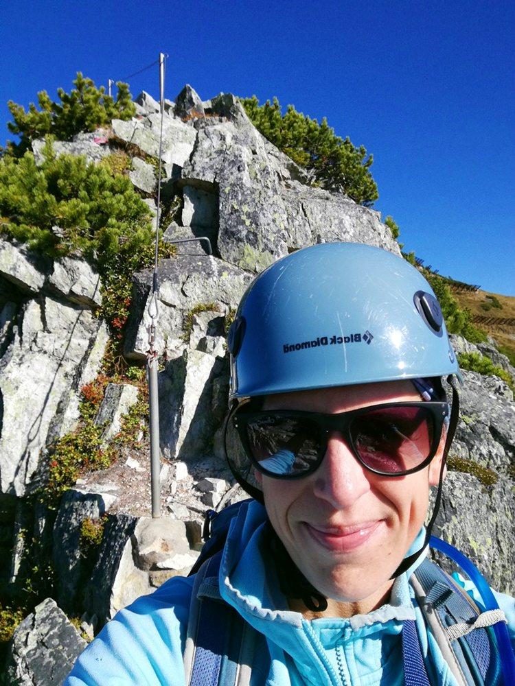 Klettersteig-Selfie, wenn niemand da ist zum Fotografieren... | Henne Klettersteig in den Kitzbüheler Alpen, Tirol