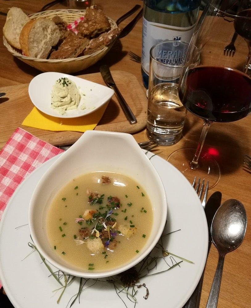 Heusuppe beim Hofer Alpl Abendessen | Frühling in Südtirol