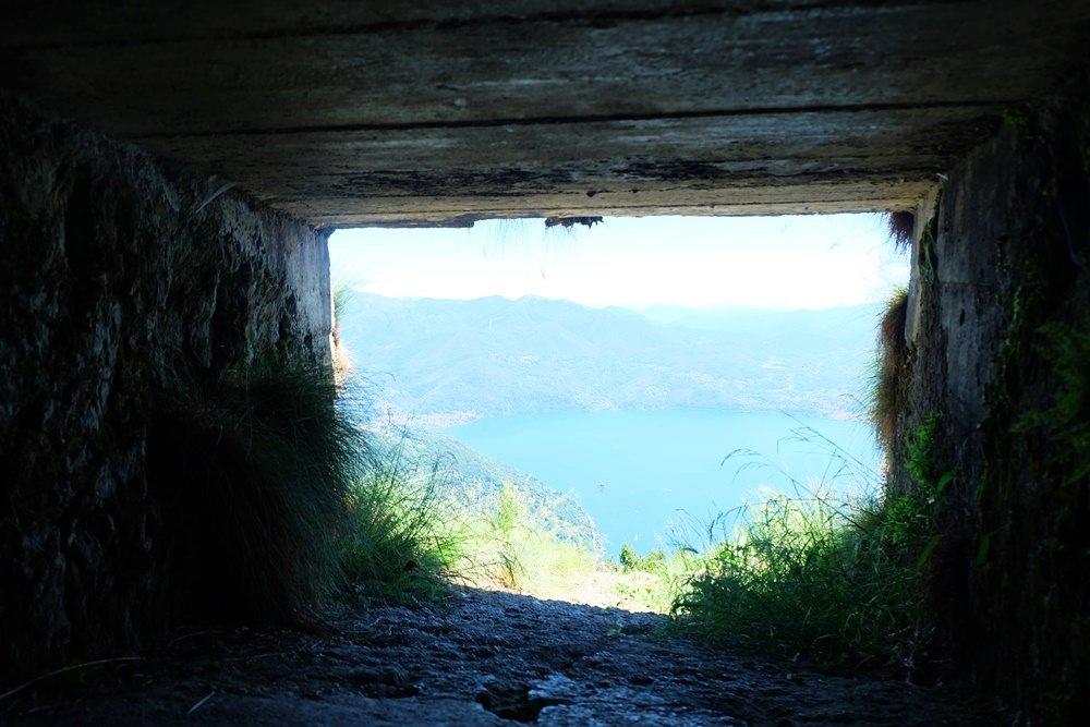 Nie wieder Krieg! Lieber nur ein Fenster in Richtung Schweiz anstatt eine Schießscharte.