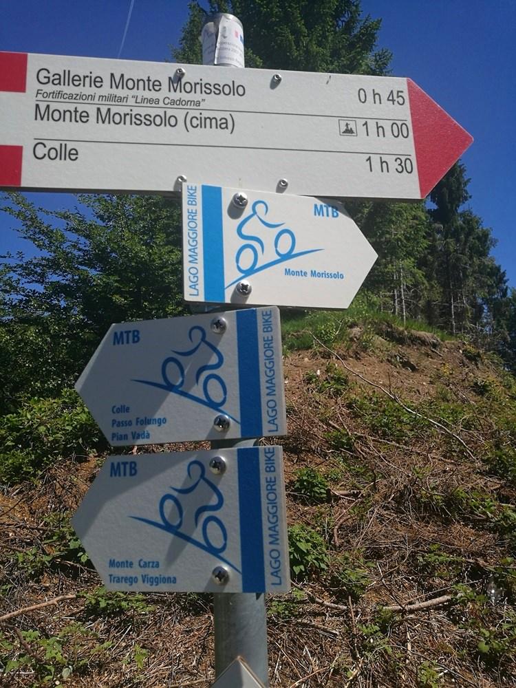 Wandern und biken entlang der Linea Cadorna über dem Lago Maggiore   Italien