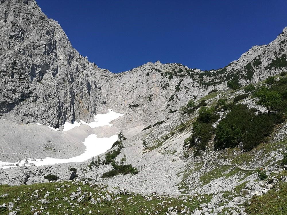 Helm auf, jetzt kommt der spannende Teil des Weges. | Pyramidenspitze, Tirol