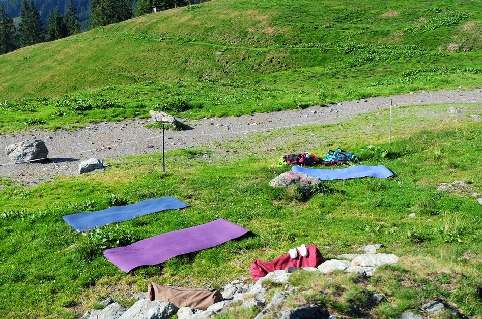 Yogamatten auf der Alm, ein besonderes Yogastudio | Vordere Feldalm, Wildschönau
