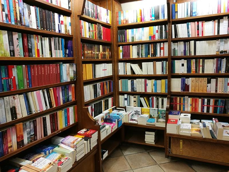 Buchhandlung Höllrigl in Salzburg