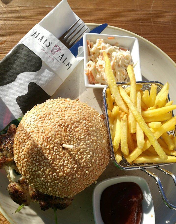 Mittagessen auf der Maisalm