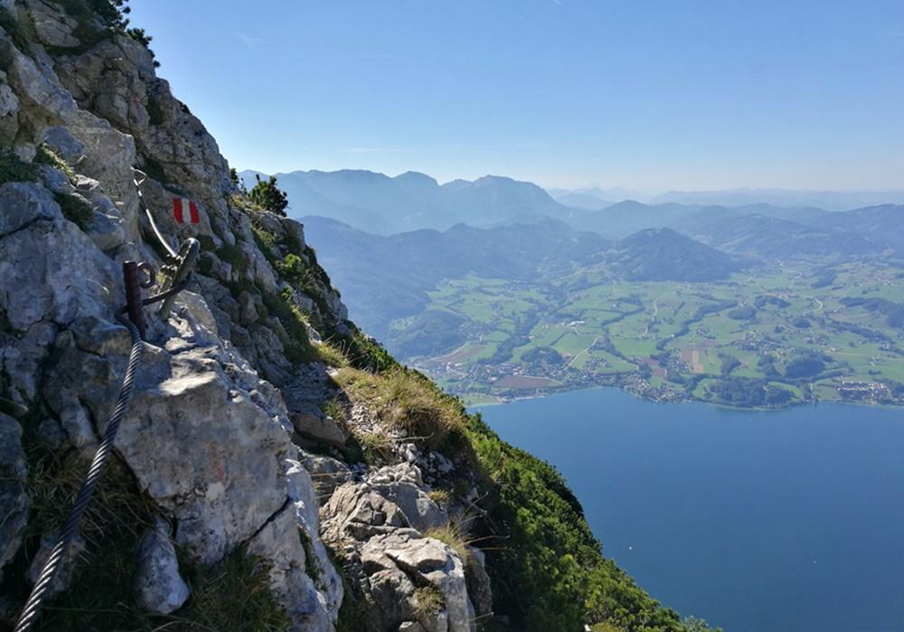 Abstieg vom Traunstein über den Naturfreundesteig über dem Traunsee