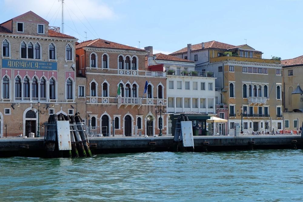 Vaporetto-Blick auf Venedig